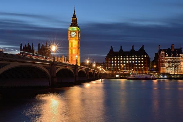 ساعت بیگ بن بریتانیا,ساعت بیگ بن,برج ساعت بیگ بن انگلیس,برج الیزابت,انگلیس,نماد لندن,ساعت بیگ بن در لندن